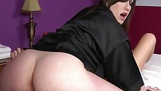 Goth masseur gets pussy licked by customer