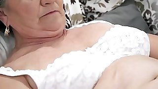 Older hairy pussy filled with young pecker